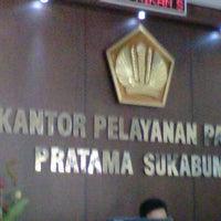Photo taken at Kantor Pelayanan Pajak Pratama Sukabumi by Florens L. on 4/20/2012