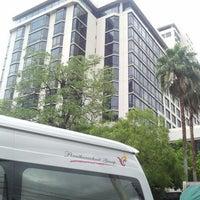 Photo taken at โรงแรม ดิเอมเมอรัลด์ by khai on 9/8/2012