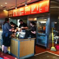 Foto scattata a Chipotle Mexican Grill da Jackson il 4/11/2012