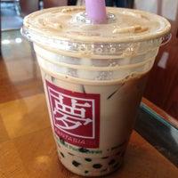 Photo taken at Fantasia Coffee & Tea by Saneyuki T. on 5/19/2012