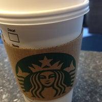 Photo taken at Starbucks by Vitor M. on 4/27/2012