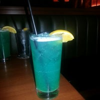 Photo taken at Houlihan's by Lakeisha H. on 9/10/2012