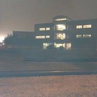 2/15/2012 tarihinde K ondaziyaretçi tarafından West Campus Library (WCL)'de çekilen fotoğraf