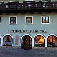 Photo taken at Bäckerei Conditorei Café Gandl by The Nutto on 10/22/2011