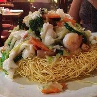 Photo taken at Sammy's Noodle Shop by Jamie Lee V. on 7/15/2012