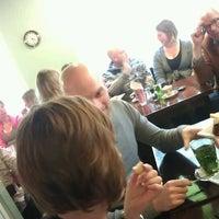 รูปภาพถ่ายที่ 't Achterommetje โดย Maurice เมื่อ 2/17/2012