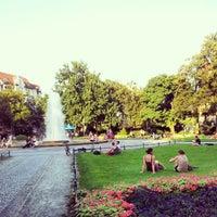 Das Foto wurde bei Viktoria-Luise-Platz von Axel am 8/19/2012 aufgenommen