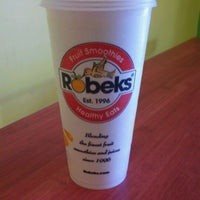 Photo taken at Robeks Fresh Juices & Smoothies by Kevin on 9/1/2011