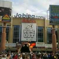 Das Foto wurde bei Gila River Arena von Aaron Y. am 4/15/2012 aufgenommen