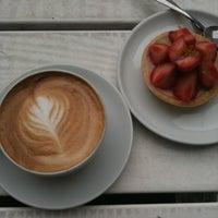 Das Foto wurde bei Kaffeemitte von Mari G. am 7/20/2011 aufgenommen