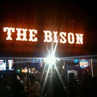 Foto scattata a The Bison da Sunny A. il 10/21/2011