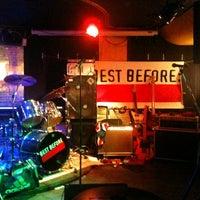 Das Foto wurde bei 8 Bar von Sirin S. am 1/28/2012 aufgenommen