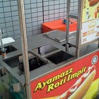 Photo taken at Ayamazz Roti Impit by Wahida H. on 12/21/2011