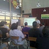 9/17/2011 tarihinde Dr. Joan d.ziyaretçi tarafından Centre Cívic Les Corts'de çekilen fotoğraf