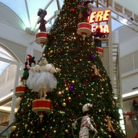 Photo taken at Orlando Fashion Square by Sary H. on 12/10/2011