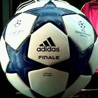 Photo taken at Global Futsal by daffy duck on 9/9/2011