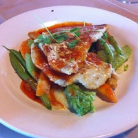 Photo taken at Yoho's Kitchen & Bar by Gabriel A. on 12/23/2011