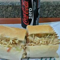 Foto tirada no(a) Pedrinho Hot Dog por Danilo G. em 8/28/2012