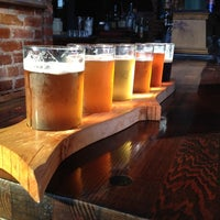Foto tirada no(a) Angry Minnow Restaurant & Brewery por Jill em 8/14/2012
