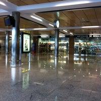 Photo taken at Aeropuerto de Santander - Seve Ballesteros by Dandara O. on 1/15/2012