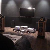 Photo taken at Sonus Art audio/video by Bruno K. on 1/20/2012