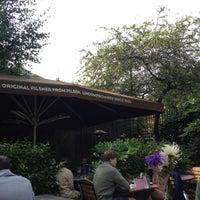 6/17/2012 tarihinde Lourdesziyaretçi tarafından The Garden Gate'de çekilen fotoğraf