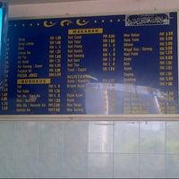 Photo taken at Restoran Rojak Ali by Naqibah A. on 9/6/2012