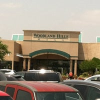 5/25/2012にKayla K.がWoodland Hills Mallで撮った写真