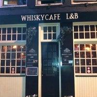 Снимок сделан в Whisky Café L&B пользователем Frank P. 4/5/2011