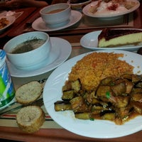 Photo taken at Greenwich Restaurant Gayrettepe by Duygu K. on 1/25/2012