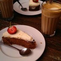 Photo taken at Levinskys Burger by Mikeldi C. on 6/30/2012