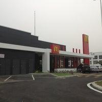 Photo taken at McDonald's & McCafé by Azreen N. on 8/15/2012