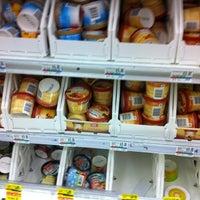 Foto diambil di Lucky oleh Lynn A. pada 8/12/2011