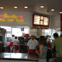 Photo taken at In-N-Out Burger by Paul L. on 8/1/2012