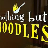 Foto tomada en Nothing But Noodles por Karlo G. el 8/4/2011