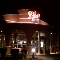 Photo taken at Red Robin Gourmet Burgers by Michael D. on 1/4/2012