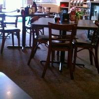 Das Foto wurde bei Cafe Java von Jason H. am 9/30/2011 aufgenommen