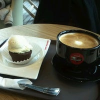 Photo taken at Caffe Pascucci 제니스 스퀘어 by Dong-ho J. on 1/24/2012