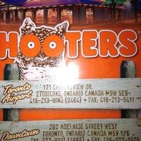 9/1/2012 tarihinde Oliver A.ziyaretçi tarafından Hooters'de çekilen fotoğraf