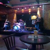 Foto tirada no(a) Buxixo Rock Bar por Jhemis D. em 10/15/2011