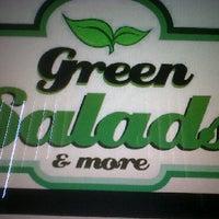 Снимок сделан в Green salads & more пользователем charles 3/25/2011