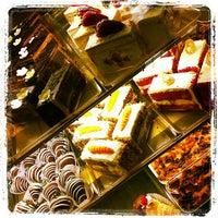 Снимок сделан в Freed's Bakery пользователем Brent O. 11/1/2011