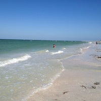 Photo taken at Honeymoon Island State Park by Aaron A. on 4/15/2012