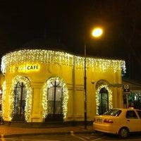 Foto tirada no(a) The House Café por Simla Z. em 12/22/2010