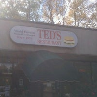 Photo taken at Ted's Restaurant by theblackdog on 10/15/2011