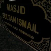 Foto scattata a Masjid Sultan Ismail (Masjid Raja Chendering) da Feruz z. il 1/8/2012