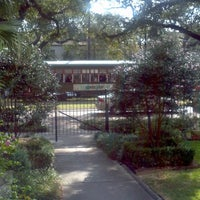 Photo taken at Avenue Inn Bed and Breakfast by Glitterati on 10/30/2011