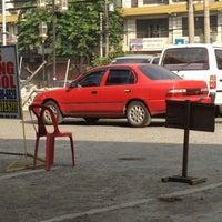 Foto tirada no(a) LTO Manila West District por Nazareth D. em 5/2/2012
