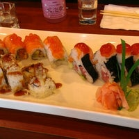 Photo taken at Sushi En by Kendra T. on 8/31/2012