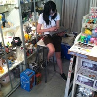 Photo taken at myplasticheart by Knah A. on 8/7/2011